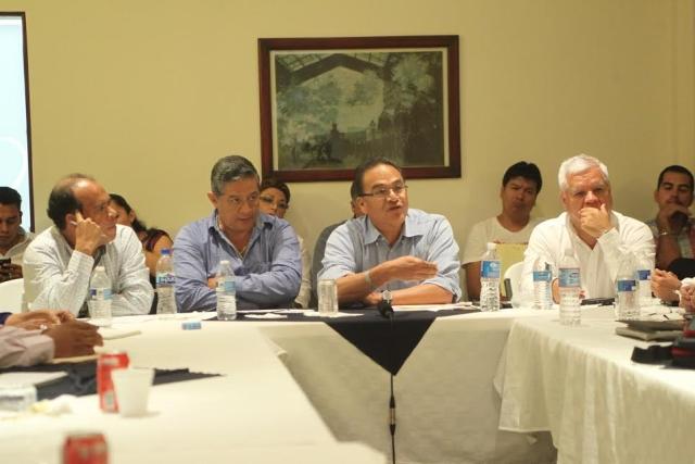 La instrucción presidencial es trabajar de manera conjunta en la reconstrucción del tejido social de Guerrero en un clima de paz, dialogo y concordia, para detonar el desarrollo de las familias igualtecas: Javier Guerrero García.