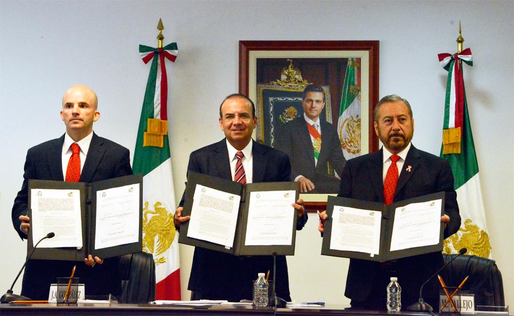 El Titular de la STPS atestiguó la firma del Contrato Colectivo de Trabajo del Sindicato Nacional de Trabajadores del Seguro Social y el IMSS.