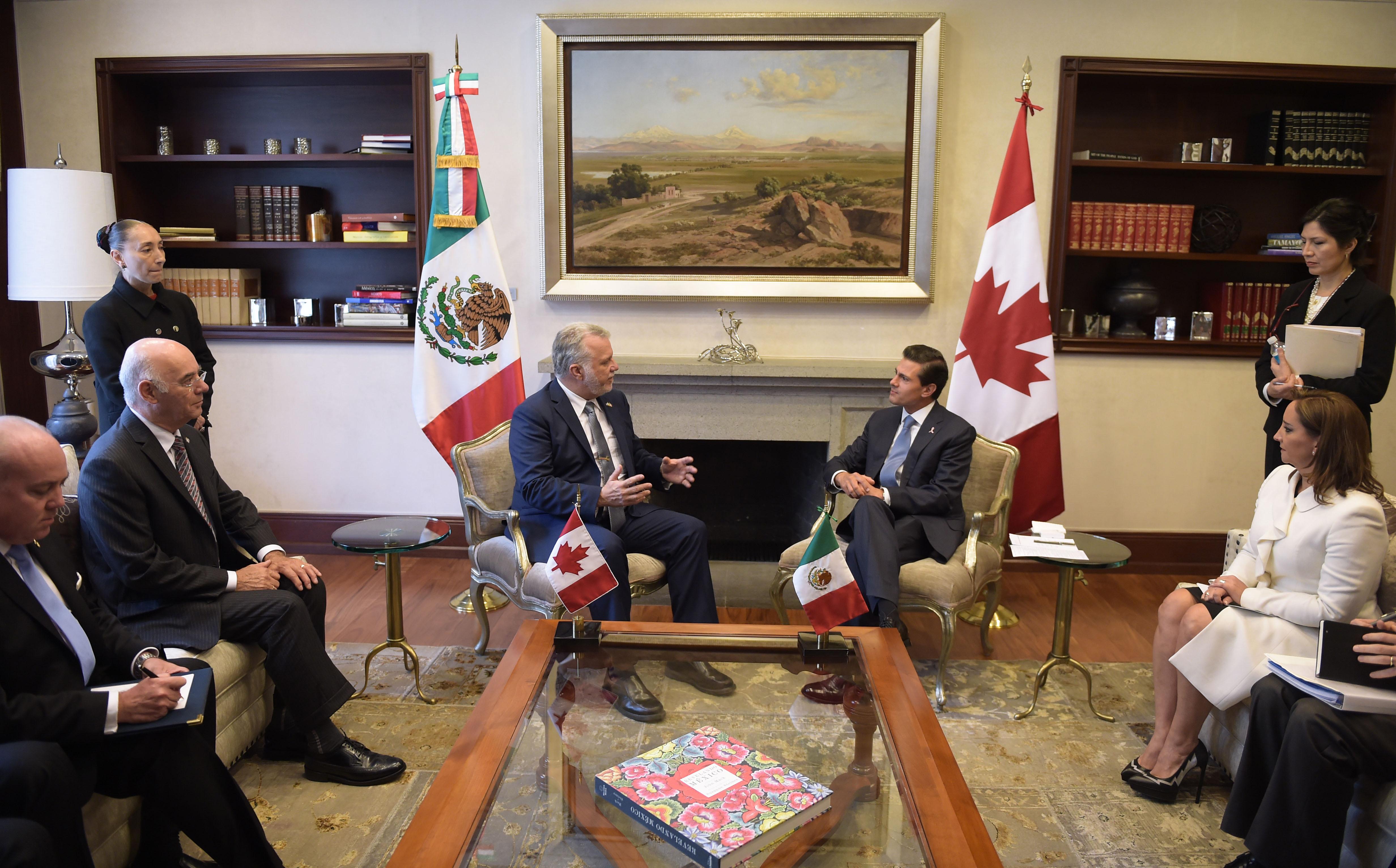 En el marco del 35 aniversario del establecimiento de la Delegación General de Quebec en México, el Presidente Enrique Peña Nieto dio la bienvenida al Primer Ministro, que se encuentra de visita en México acompañado por una delegación de 70 empresarios.