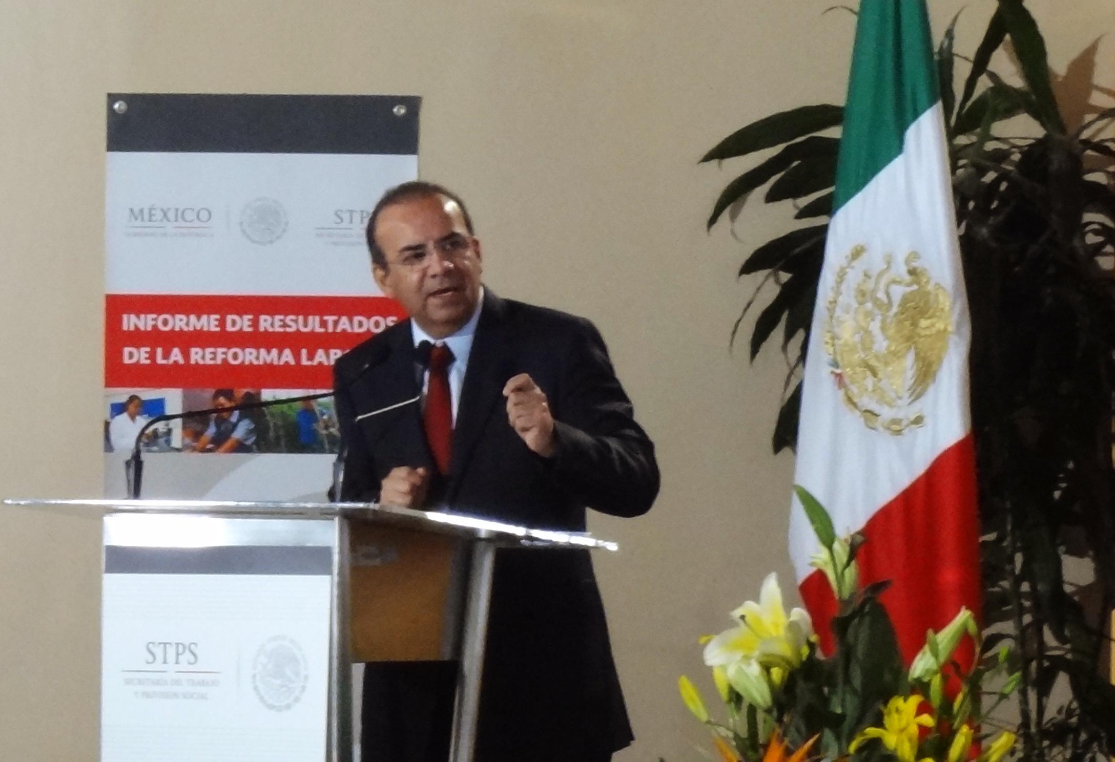 El Secretario del Trabajo y Previsión Social, Alfonso Navarrete Prida, presentó el Informe de Resultados de la Reforma Laboral impulsada por el Gobierno del Presidente Enrique Peña Nieto.