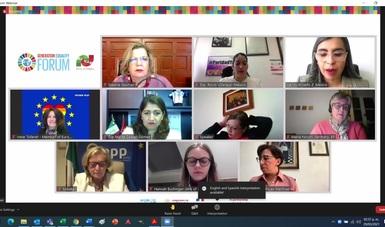 Panel con legisladoras en el FGI
