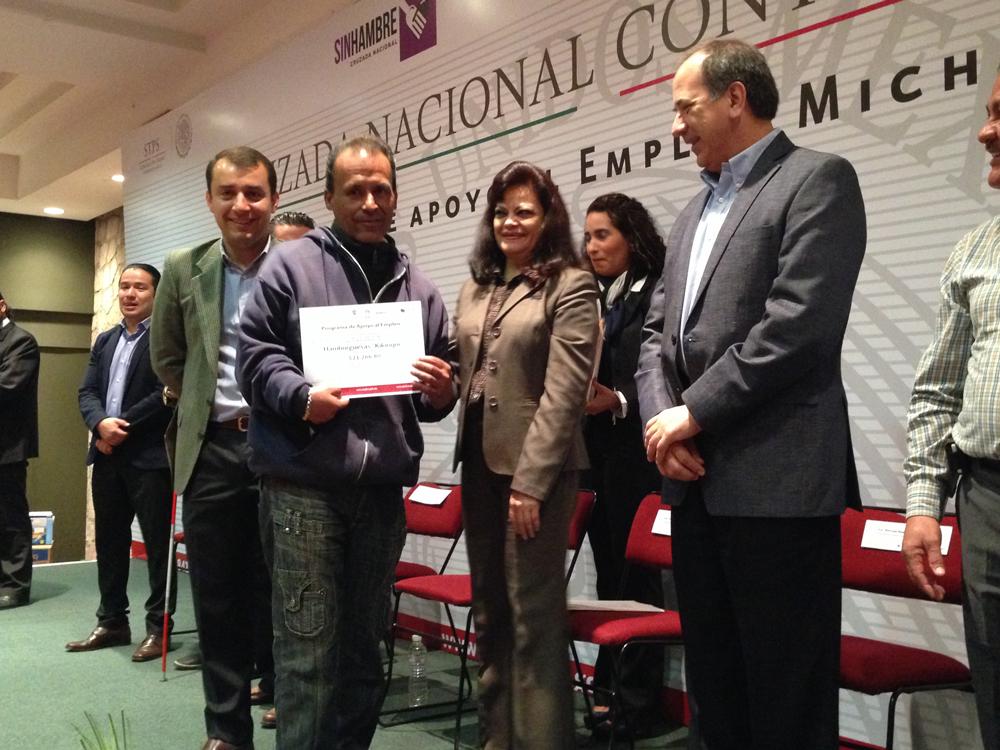 En el marco del mes de la Cruzada Nacional Contra el Hambre, la Secretaría del Trabajo y Previsión Social (STPS) entregó  más de 4 millones 750 mil pesos para apoyar el empleo en el estado de Michoacán.