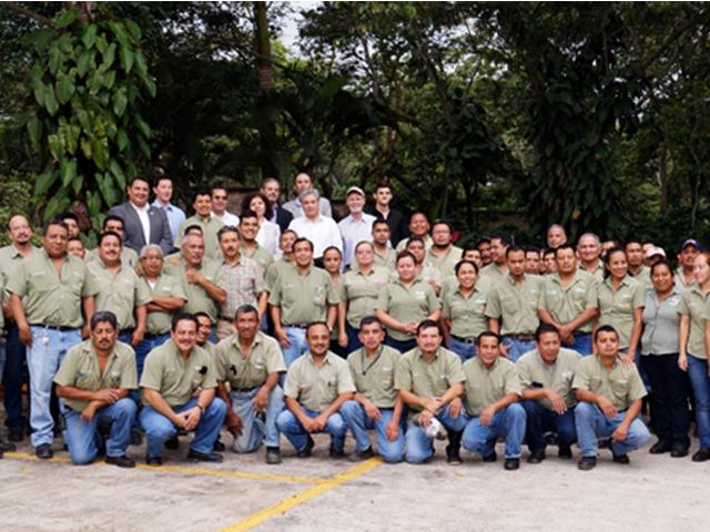 Durante la visita se destacaron los logros del Programa Moscamed, a través del cual, de 2010 a la fecha, se ha ampliado el área libre de la plaga en la región fronteriza entre México y Guatemala en 24 mil 480 kilómetros cuadrados.