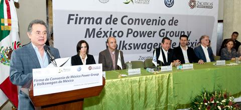 El Secretario de Energía atestiguó la firma de un convenio para la construcción de un parque eólico en Zacatecas.
