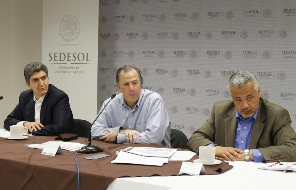 Encuentro del secretario de Desarrollo Social, José Antonio Meade Kuribreña, con reporteros de la fuente
