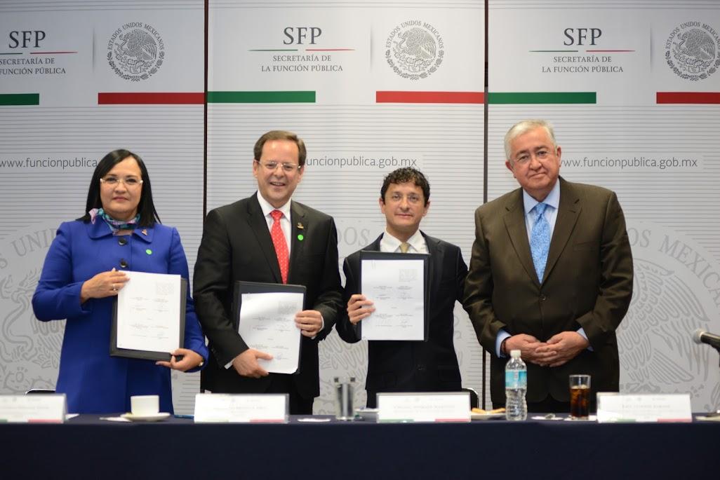 Firma del convenio de colaboración entre la Secretaría de la Función Pública y el Instituto Mexicano de Contadores Públicos.