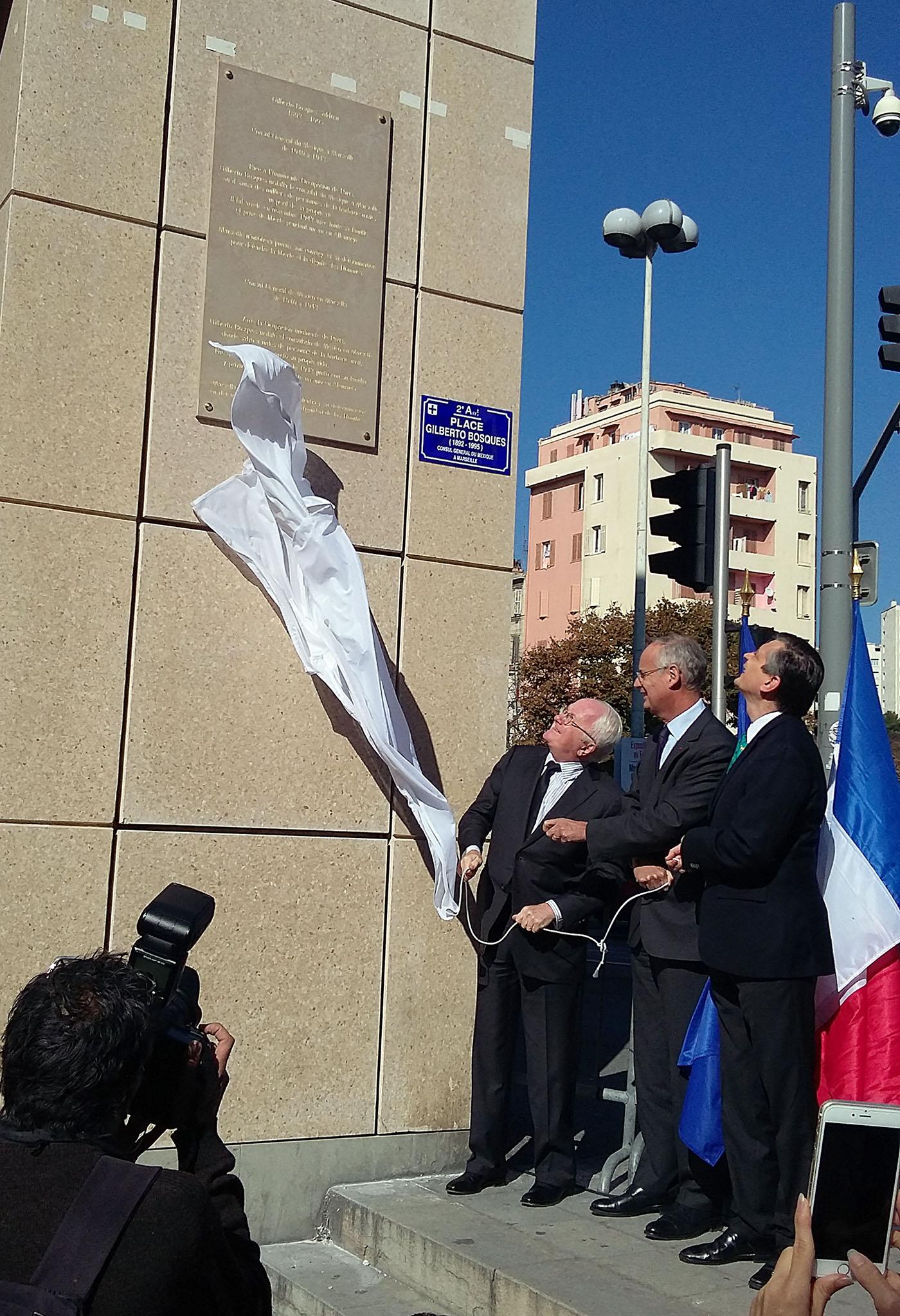 Embajador Agustín García-López Loaeza, Michel Vauzelle y el prefecto Stéphane Boillon