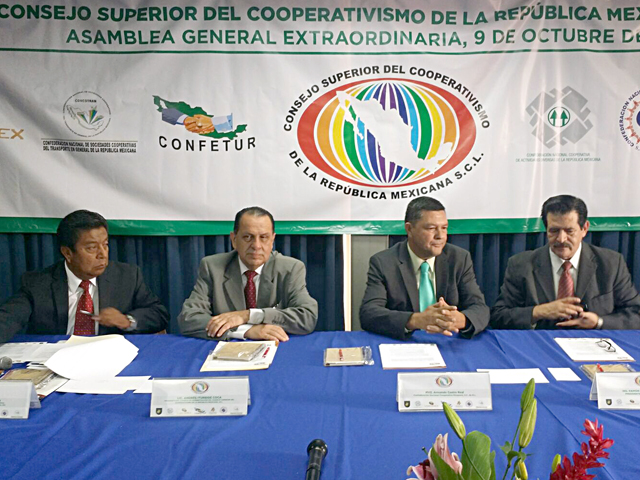En acuerdo de unidad, las confederaciones nacionales cooperativas del país constituyeron el Consejo Superior del Cooperativismo de la República Mexicana. El presidente del Consejo de Administración será el líder pesquero, Armando Castro Real.