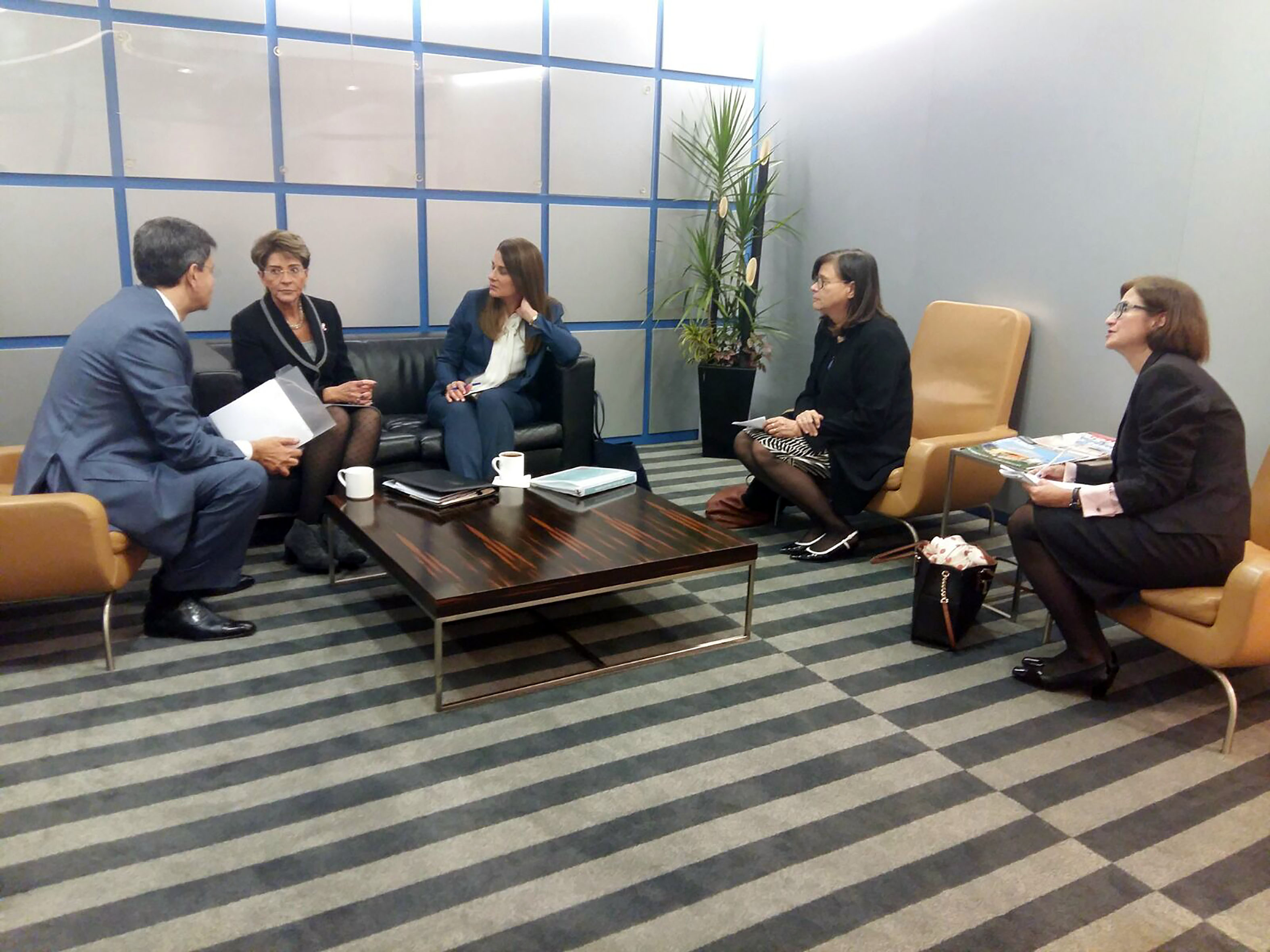 Mercedes Juan y Melinda Gates dialogan sobre la iniciativa salud Mesoamérica 2015.
