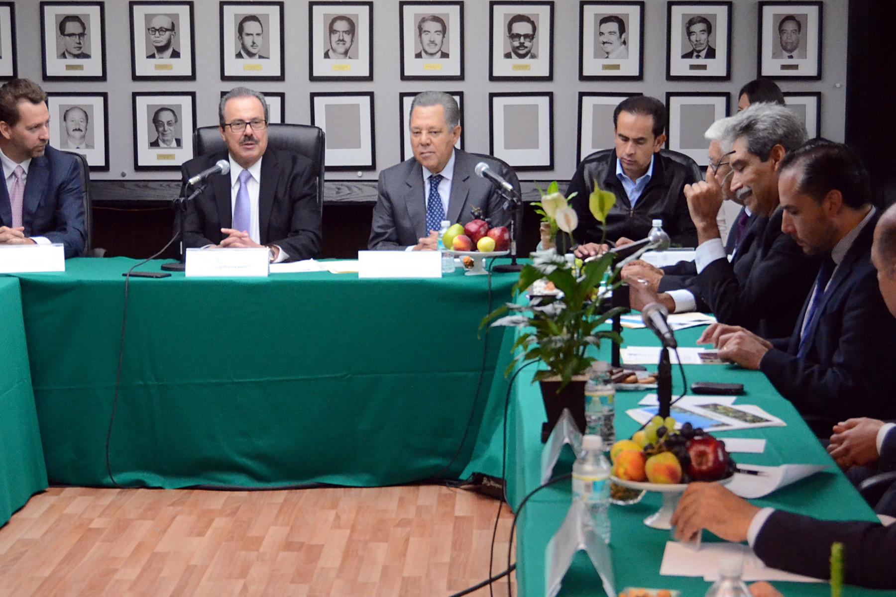 SAGARPA) y la empresa Biofields firmaron un Convenio de Colaboración para impulsar el Proyecto Integral de Cultivo y Producción de Higuerilla y su Transformación en Aceite de Ricino.