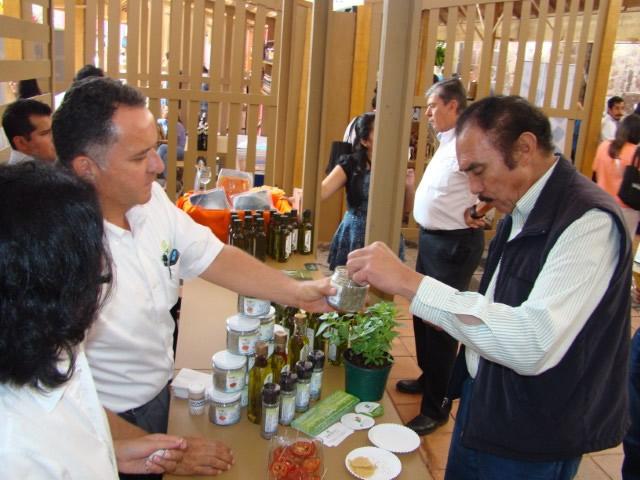 Conectan productores con hoteleros y restauranteros en Morelia en Boca 2015.