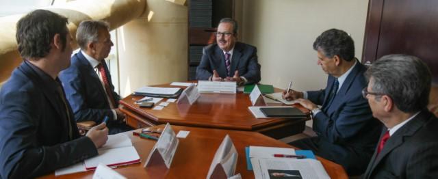 Realizan reunión de trabajo, el secretario Enrique Martínez y Martínez y el nuevo director general del CIMMYT, Martín Kropff, para impulsar líneas de acción en programas y proyectos enfocados a mejorar la productividad y competitividad.