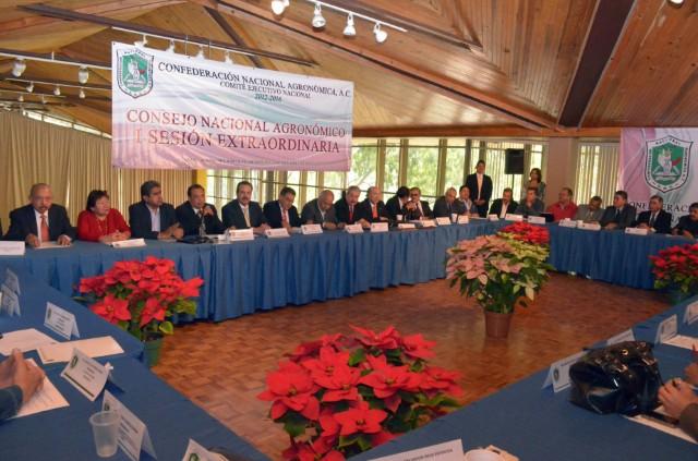 Están dadas las condiciones para que el campo mexicano alcance un desarrollo competitivo: Enrique Martínez y Martínez