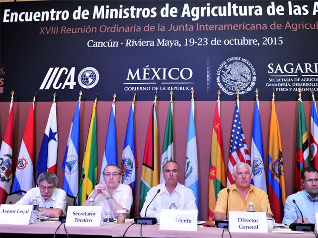 Eligen al secretario José Calzada Rovirosa como presidente de la Junta Interamericana de Agricultura.