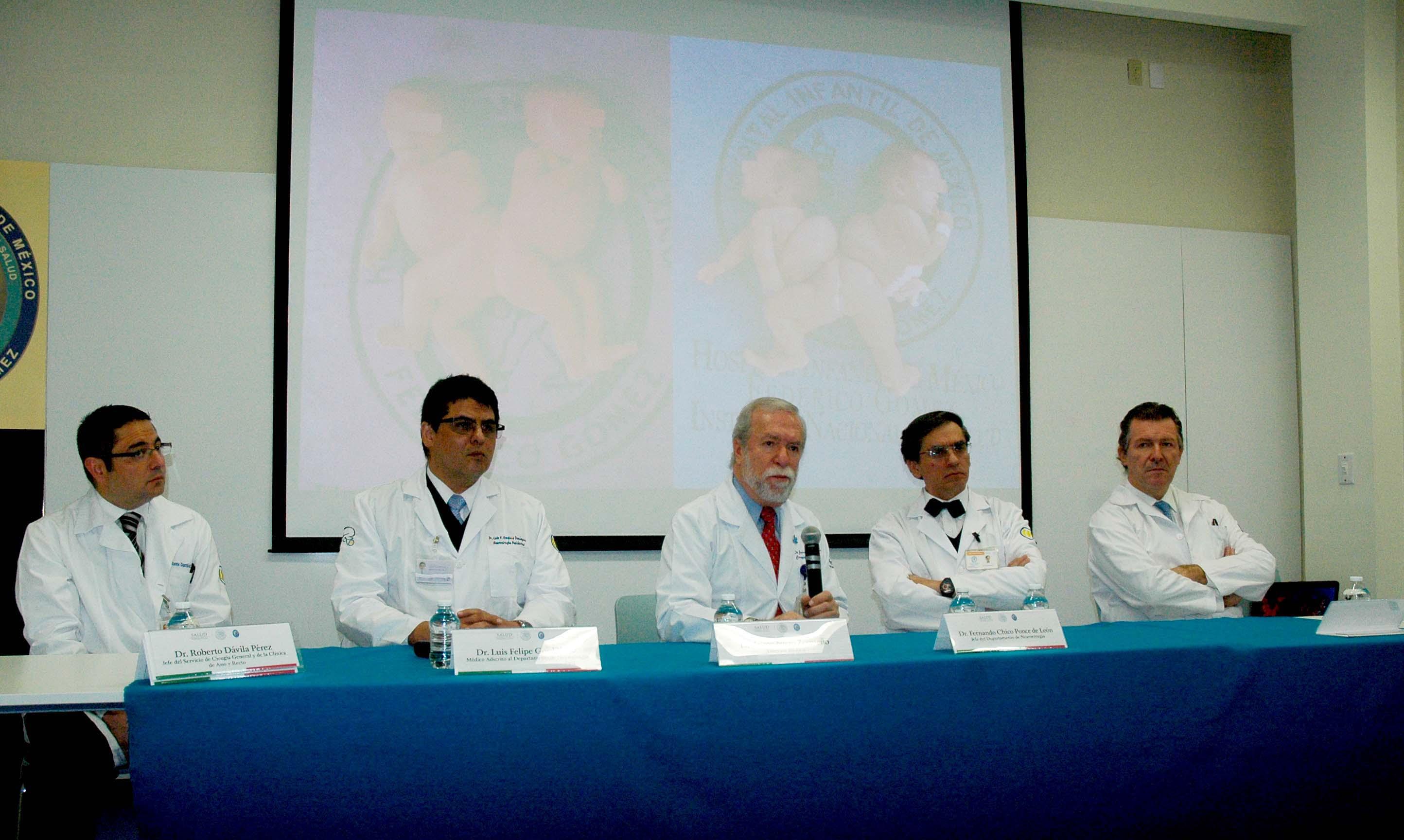 En el Hospital Infantil de México se han llevado a cabo aproximadamente 24 cirugías en los últimos 36 años.