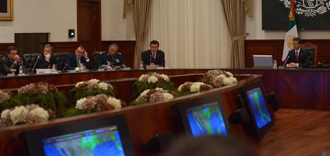 En la reunión, el Primer Mandatario dio indicaciones precisas a todos los miembros de su Gabinete, con el objetivo primordial de cuidar la vida y la integridad de la población.