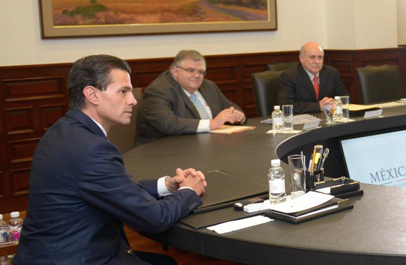 El Primer Mandatario se reunió en la Residencia Oficial de Los Pinos con los titulares del Banco de México, el INEE, y el INEGI.
