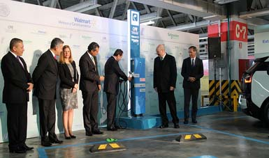 Inauguración de estaciones de servicio para autos eléctricos en el Valle de México.
