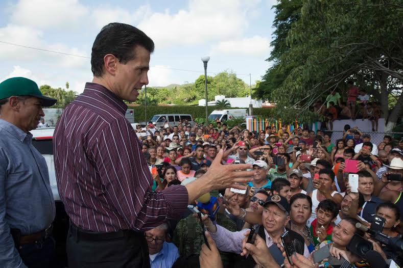 El Primer Mandatario señaló que a este momento se ha levantado la alerta de prevención que se había hecho en los estados de Jalisco, de Colima y de Nayarit.