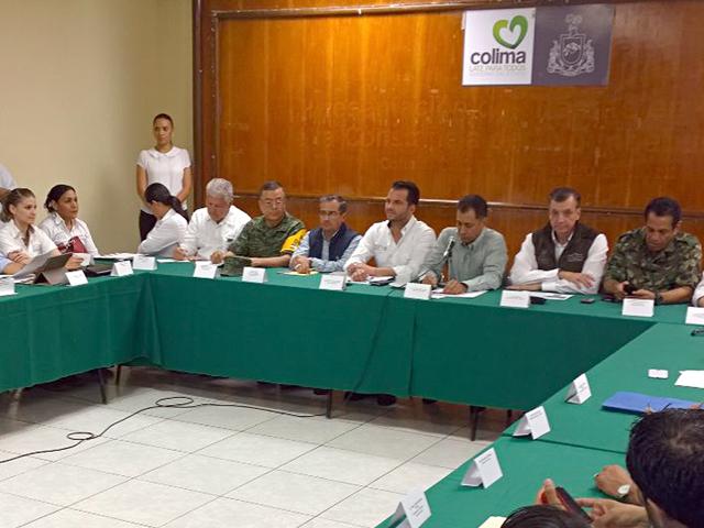 """En breve se iniciará con el pago de indemnizaciones a productores afectados por el huracán """"Patricia"""": subsecretario Héctor Velasco Monroy."""