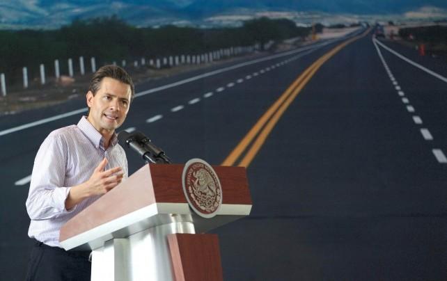 Una carretera que fue iniciada hace cinco años, lo cual deja aquí un testimonio claro de que este Gobierno no ha cancelado ningún otro proyecto del pasado