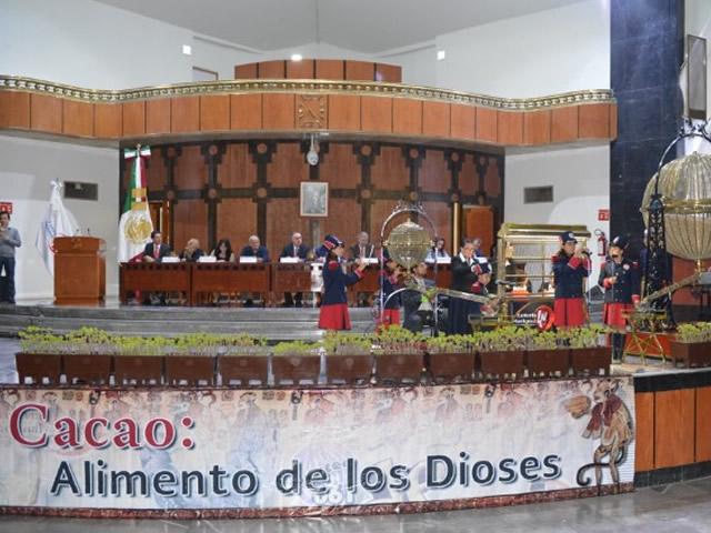 """La Secretaría de Agricultura, Ganadería, Desarrollo Rural, Pesca y Alimentación (SAGARPA) y la Lotería Nacional realizaron el sorteo del billete conmemorativo, """"Cacao, alimento de los dioses""""."""