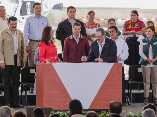 Firman SAGARPA y CDI convenio de colaboración para detonar productividad agropecuaria en comunidades indígenas del país.