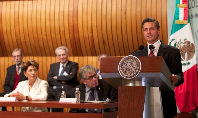Así, por siete décadas, El Colegio Nacional ha contribuido a mexicanizar el saber y a universalizar nuestra cultura.