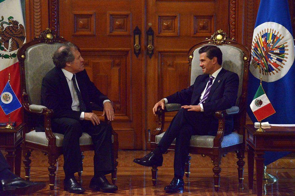 El Presidente Peña Nieto recibió en el Palacio Nacional al Secretario General de la Organización de Estados Americanos, Luis Almagro.