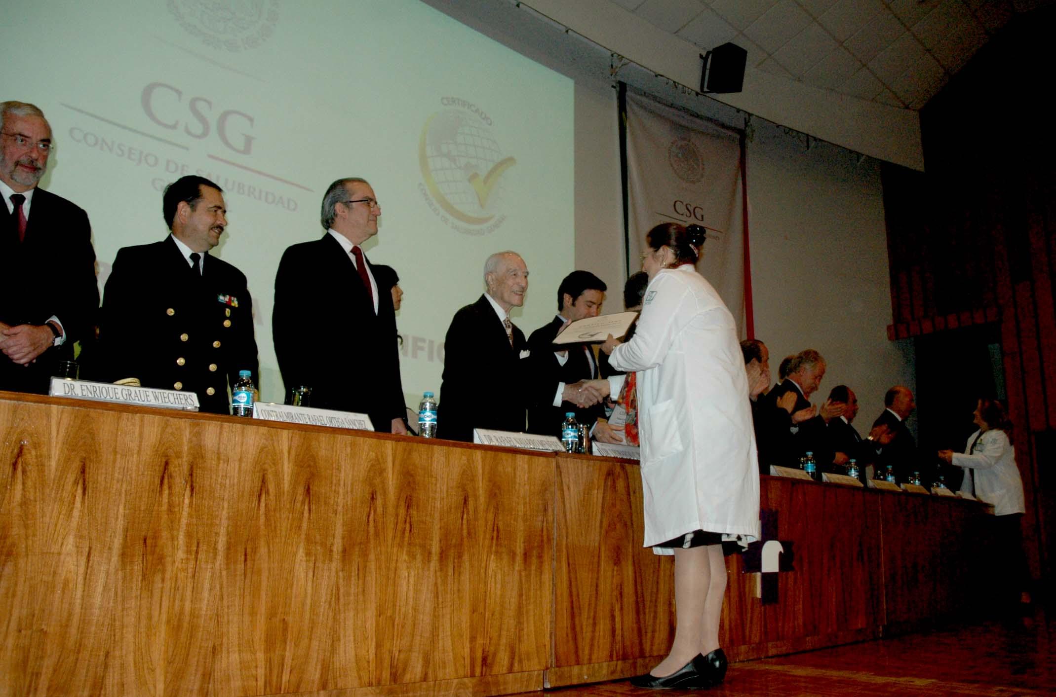 El Consejo de Salubridad General entregó 76 reconocimientos a establecimientos de salud