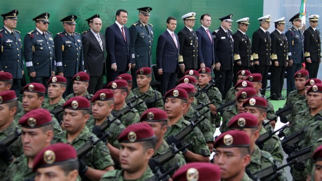 El Ejército, La Armada y La Fuerza Aérea Mexicana seguirán contribuyendo a construir el México en paz que hemos trazado: Enrique Peña Nieto