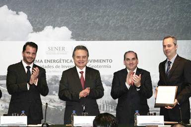 Entrega de título de concesión para explotación de energía geotérmica en México.