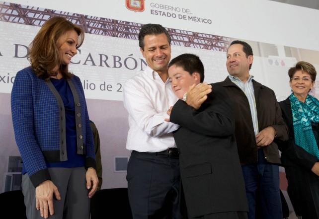 Refrenda el Presidente Peña Nieto su compromiso de trabajar incansablemente para cumplirle al pueblo de México