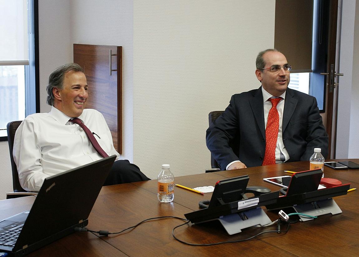 Reunión entre José Antonio Meade Kuribreña, secretario de Desarrollo Social, y Roberto Ramírez de la Parra, director general de CONAGUA
