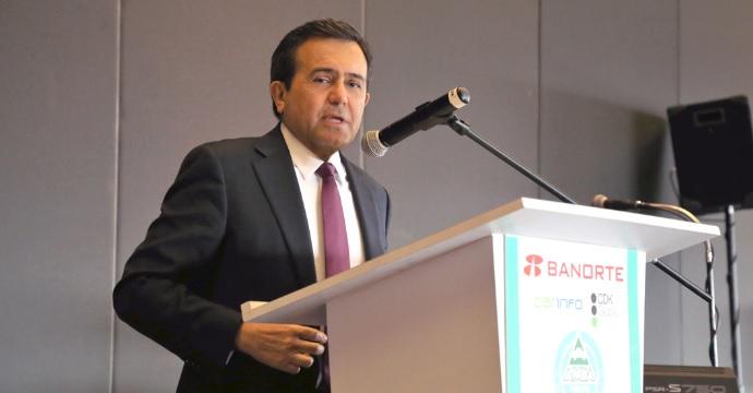 Participa el Secretario de Economía en el Foro Automotor AMDA 2015