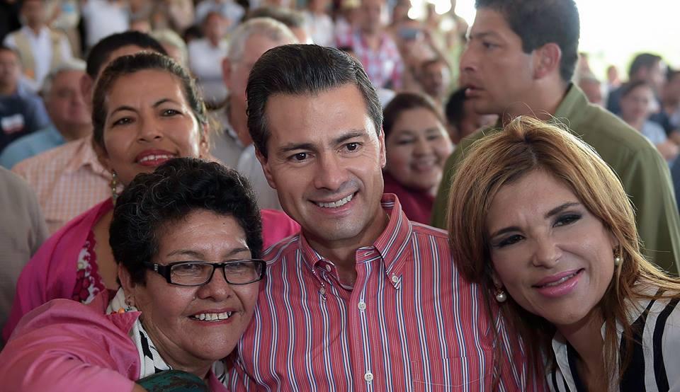 El Presidente Enrique Peña Nieto, puso en operación 100 kilómetros de la Autopista Don-Nogales, en el estado de Sonora.