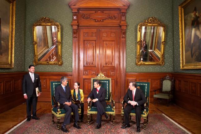 Recibe el Presidente Peña Nieto las cartas credenciales de 13 nuevos embajadores en México