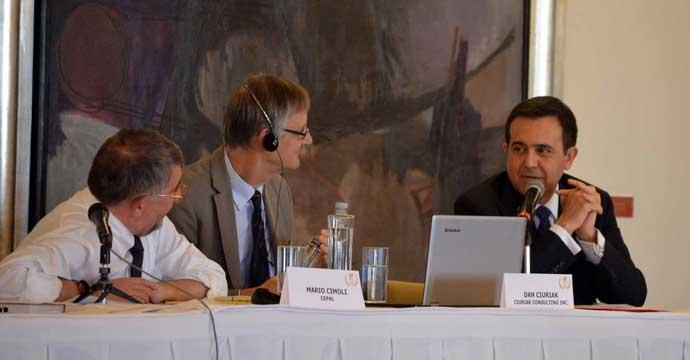 Participó el Secretario Ildefonso Guajardo en el 50 aniversario del CEESP