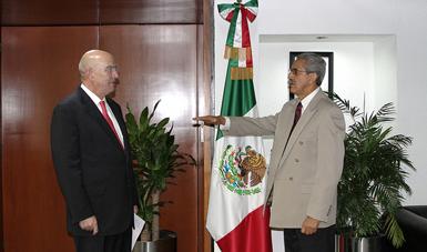 Víctor Manuel Chávez toma protesta como Delegado de la Semarnat en el Estado de México.
