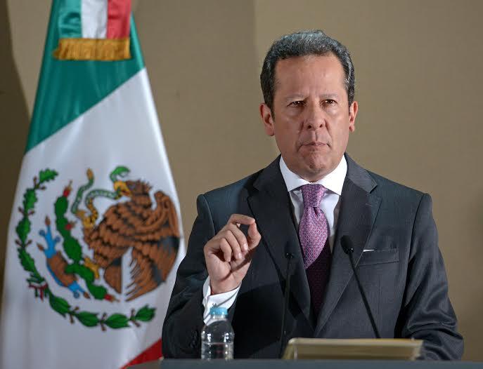 """""""La resolución del Poder Judicial de la Federación sólo atañe a las cuatro personas que promovieron el amparo resuelto"""", indicó puntualmente Eduardo Sánchez."""