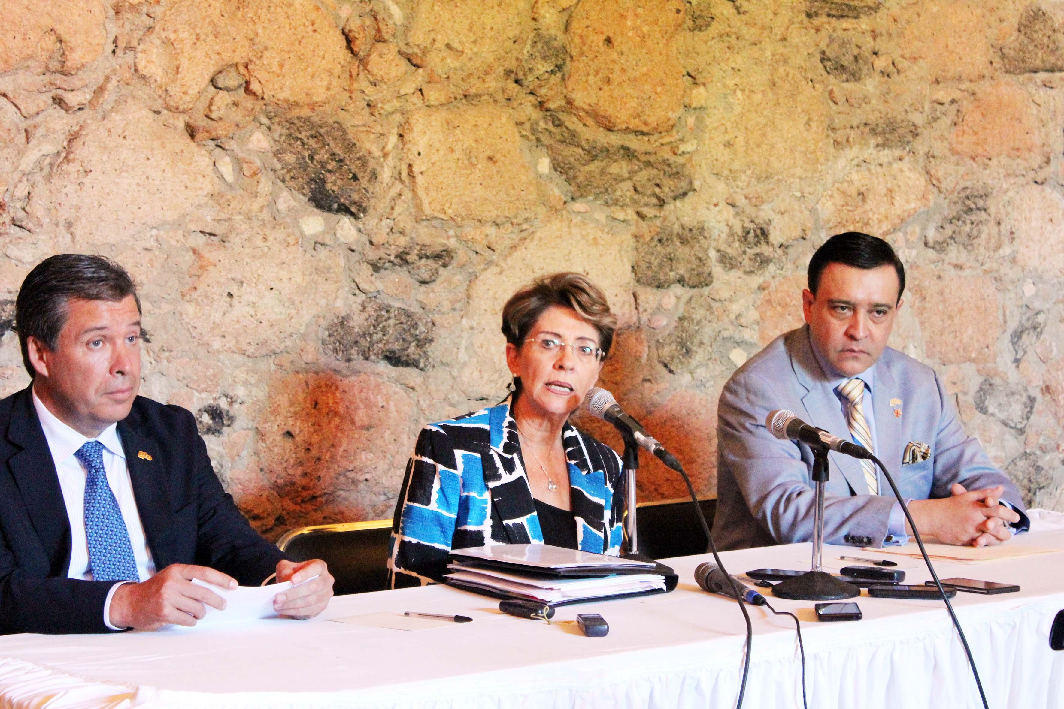 La Secretaria de Salud realizó una gira de trabajo en Celaya, Guanajuato.