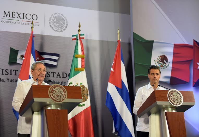 """""""Quiero expresarle al Excelentísimo señor Presidente de la República de Cuba, que está usted en su casa, que México le recibe con los brazos abiertos"""": EPN"""