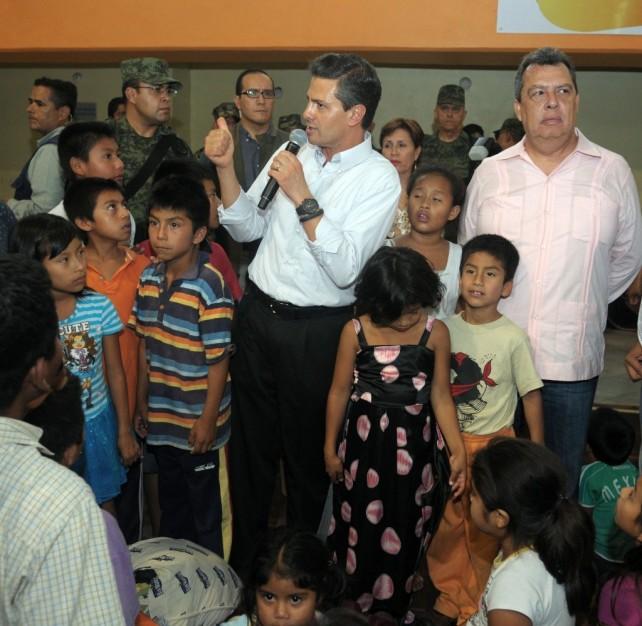 Compromete el Presidente Peña Nieto la construcción de nuevas viviendas en Guerrero para las familias que perdieron su hogar