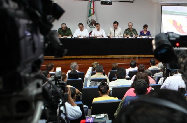 Se han autorizado más de mil 500 millones de pesos del FONDEN para atender la contingencia: EPN