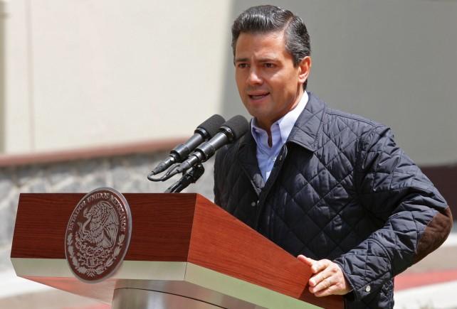Egresa el Presidente Enrique Peña Nieto del Hospital Central Militar