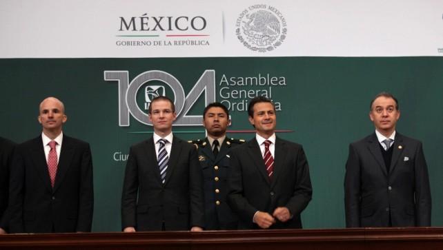 Debemos fortalecer al IMSS porque es la institución líder en la transformación social de México: EPN