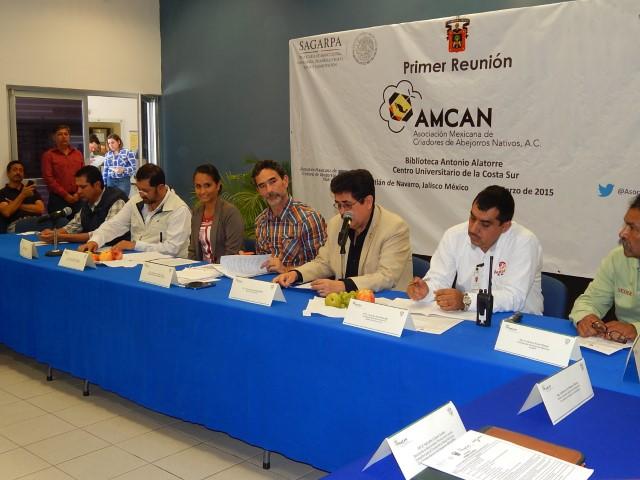 Crean Asociación Mexicana de Criadores de Abejorros, para mejorar polinización de cultivos agrícolas.