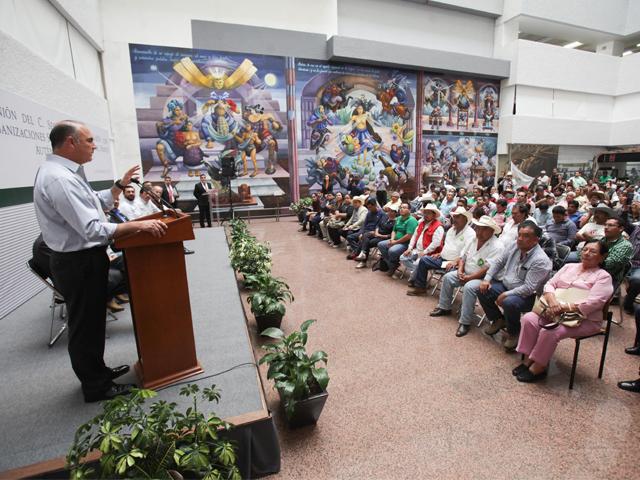 El titular de la SAGARPA, José Calzada Rovirosa, encabezó un encuentro con organizaciones integrantes del Frente Auténtico del Campo (FAC).