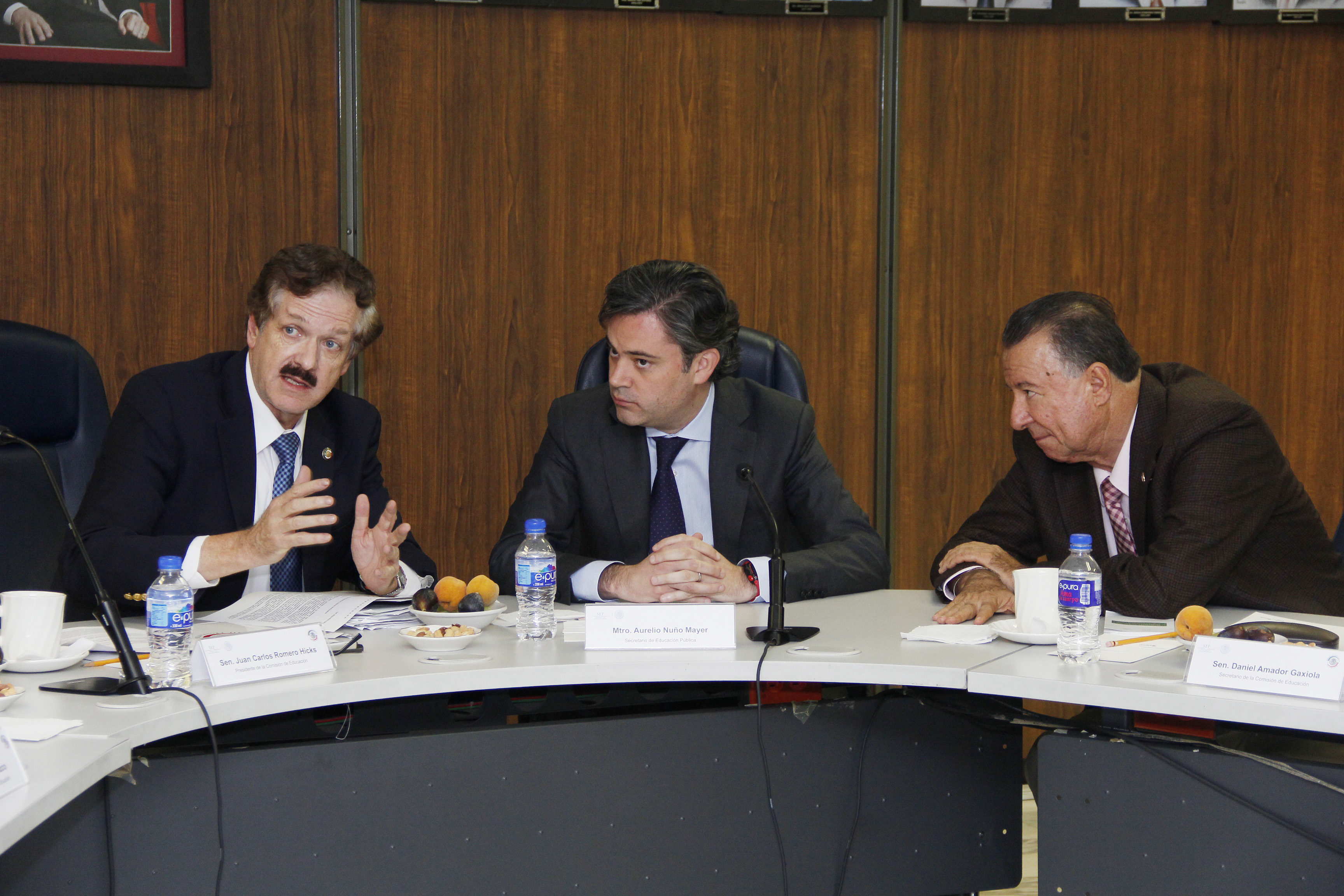 Explica Nuño Mayer a senadores las siete prioridades para impulsar la Reforma Educativa