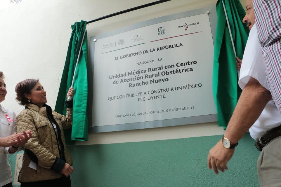 La secretaria de Desarrollo Social, Rosario Robles Berlanga, y el gobernador de San Luis Potosí, Fernando Toranzo Fernández,  inauguraron la Unidad Médica Rural de Rancho Nuevo